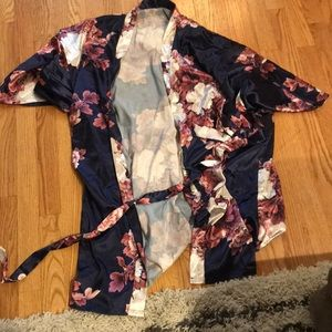 Other - Floral silk robe